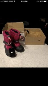 Brand new size 8 winter boots sorel
