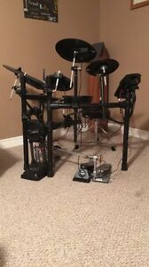 Roland TD-11K with Pearl P932 Double Bass Pedal