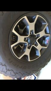 Selling Jeep JL wrangler 5 tires and rims