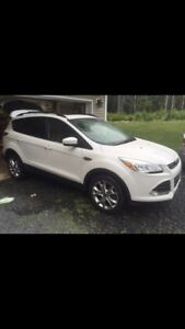 2015 Ford Escape - Lease Takeover  - low km