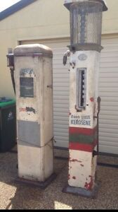 Wanted.  Petrol bowsers. Signs. Oil bottles. Pumps Heatherbrae Port Stephens Area Preview