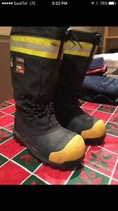 EXCELLENT CONDITION COMPOSITE TOE WINTER WORK BOOTS