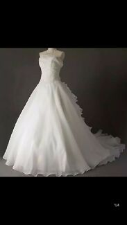 Brand new princess style wedding dress size 6-10