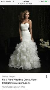 For Sale Beautiful Allure Wedding Gown