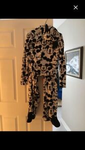 New Adult med./lg. Footed pajamas