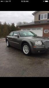2010 Chrysler 300 Touring $7000