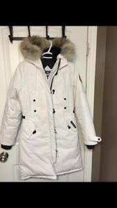 AUTHENTIC Canada Goose