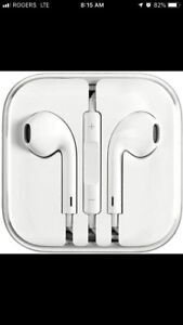 Original apple iPhone wired headphones (earbuds)