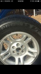 Selling toyo tires 4 on rims