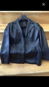 Danier Italian leather woman jacket