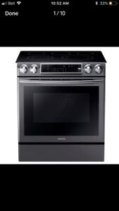 SAMSUNG BLACK STAINLESS STEEL STOVE
