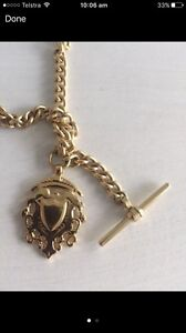 Gold link necklace with bar / shield Merewether Heights Newcastle Area Preview