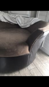 Round couch for sale!!