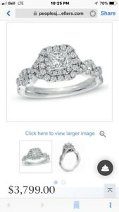 Stunning Vera Wang engagement ring and wedding band