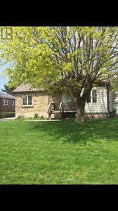 Beautiful Home - 2 min walk to Fanshawe College