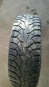 4 Hankook 185/70R14 88T winter tires on rims