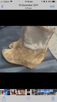 Designer Italian open boot with silver chain and snake leather hills
