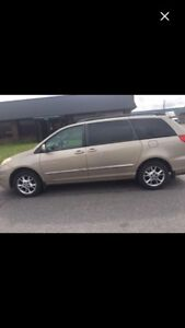 2006 TOYOTA SIENNA LIMITED AWD NEGOTIABLE MAKE AN OFFER