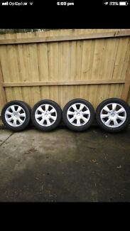 '17 inch holden 'VE mag wheels in excellent condition