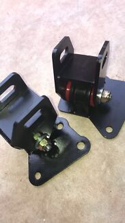 Engine mounts to suit from vb up to vl commodores