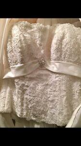 Women's white straight cross neckline wedding gown