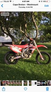 2006 CRF 450R with papers