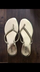 Guess by Marciano flip flops