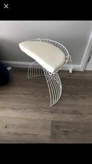 Dresser chair stool