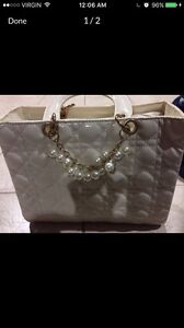 White quilted satchel w/ Pearls