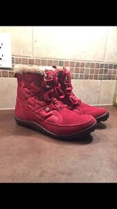 Columbia Boots (size6)