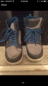 Brand new GAP boys sneakers size 2 -$10
