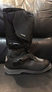Wanted: Motorcycle Boots