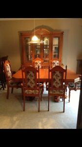 REDUCED!!!! Solid Oak Dining set w/Hutch  London Ontario image 3