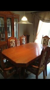 REDUCED!!!! Solid Oak Dining set w/Hutch  London Ontario image 5