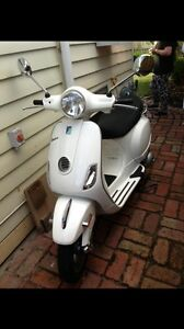 Vespa LX 150 For Sale. Barely used and in peak condition East Geelong Geelong City Preview