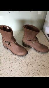 Women's brown studded ankle boots Matraville Eastern Suburbs Preview