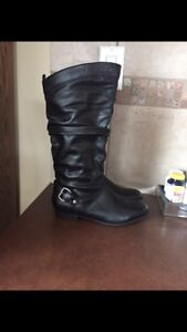 Leather Boots New (7.5)