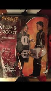 Plug and socket couples  Halloween costumes