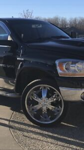 "Hoyo 24"" Deep Dish Chrome Wheels & Tires"