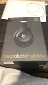 UNOPENED BEATS STUDIO3 Limited edition shadow grey/gold