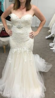 Enzoani wedding dress. NEW