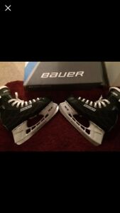 Barely used Bauer skates !!
