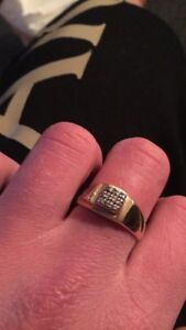 10k gold ring with 9 diamonds
