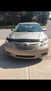 2007 Toyota Camry LE  4 cyl very low kms!!