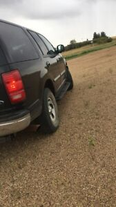 02 ford expedition 4wd GREAT shape.