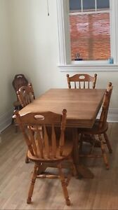 Solid hard wood dinning table