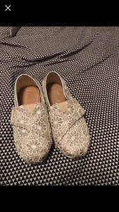Toddler size 8 Toms