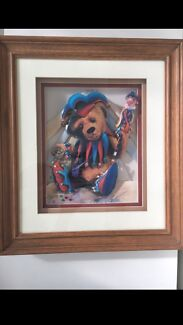 Timber framed teddy bear picture
