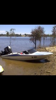 UNFINISHED SPEED BOAT FOR SALE