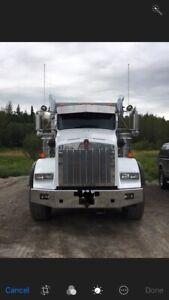 2014 Kenworh T800 tri-axle dump truck
